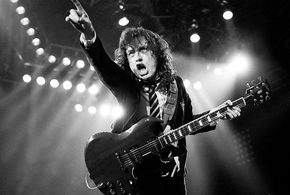 Angus young acdc1