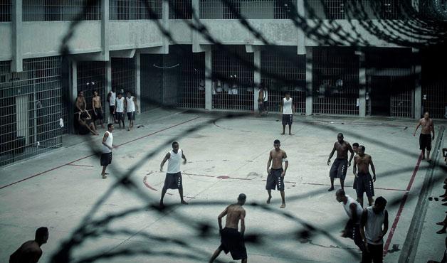 Penitenciárias privadas: quanto mais presos, maior o lucro