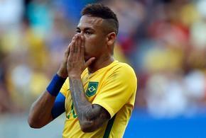 Neymar lamenta chance perdida contra a africa do sul 1470341789328 v2 1406x1006