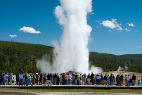 Yellowstone old faithful jpg
