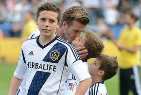 David beckham kisses son on lips jpg